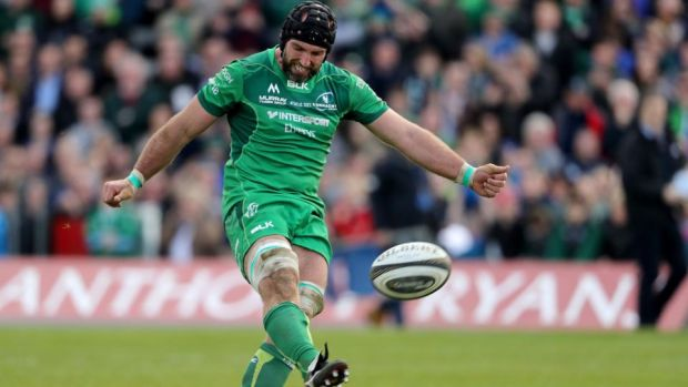 John Muldoon kicks a conversion late in the game. Photograph: Dan Sheridan/Inpho