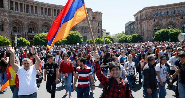 armenia pashinyan ile ilgili görsel sonucu