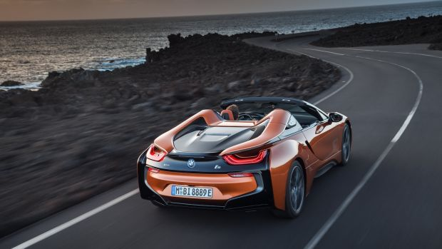 Over a day's hard driving across the mountains of Majorca, the i8 Roadster averaged 8.8 litres per 100km, or 32mpg