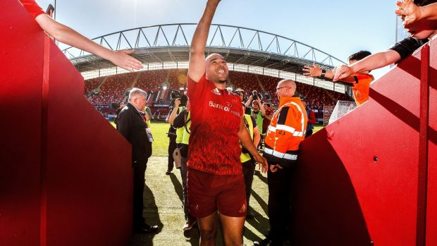 Simon Zebo bids farewell to the Munster faithful after his last game for the province, against Edinburgh, at Thomond Park. Photograph: James Crombie/Inpho