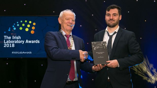 Conor O'Brien, President, Irish Science Teachers Association, presents the Start-up Laboratory of the Year award to Dr. Shourjya Sanyal, Think Biosolution.