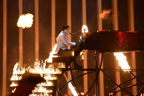 "Ukraine's singer and composer Kostyantyn Mykolayovych Bocharov aka MELOVIN performs ""Under the ladder"" during the final of the 63rd edition of the Eurovision Song Contest 2018 at the Altice Arena in Lisbon/ AFP PHOTO / Francisco LEONGFRANCISCO LEONG/AFP/Getty Images"