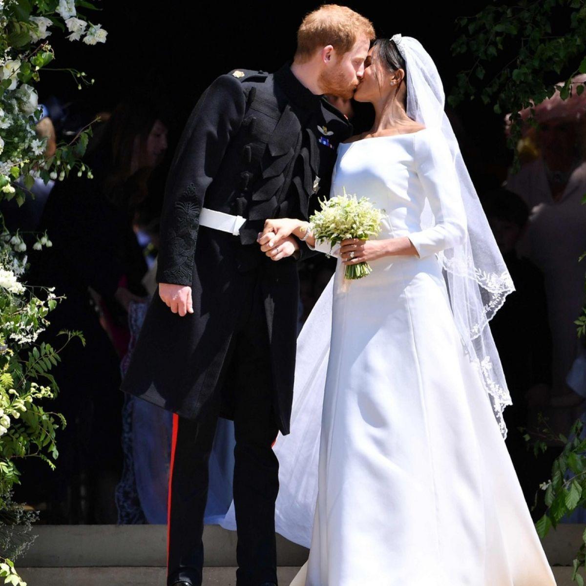 8ec40c4716110 Meghan Markle exudes sleek style in choice of wedding dress