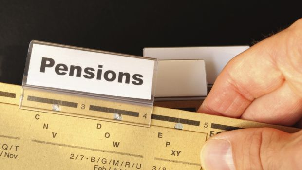 Reforming the amount of tax relief on pension contributions is unlikely to result in increasing the saving habits of lower paid workers, according to an ESRI report.