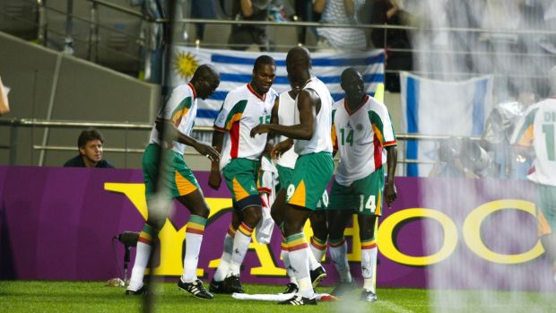 Senegal players celebrate the goal which saw them beat France at the 2002 World Cup. Photo: Getty Images