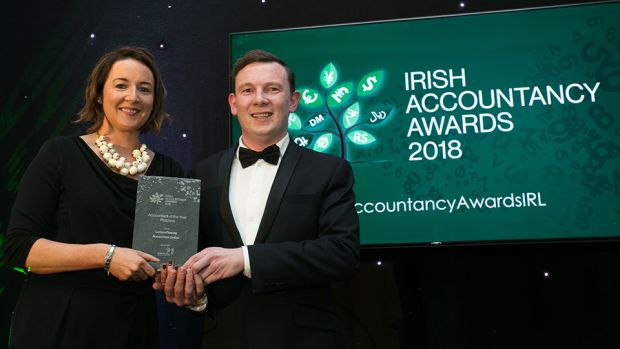 Tom O'Reilly, Head of Partnerships, Linked Finance presents the Accountant of the Year - Practice award to Larissa Feeney, Accountant Online