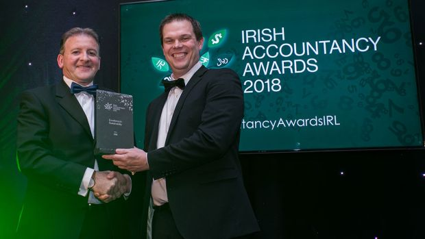 Cormac Mohan, President, CPA Ireland presents the Excellence in Sustainability award to Colin Trainor, CDE Global