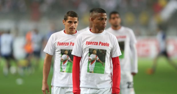 4098d2c86 Peru players wear shirts in support of their teammate Paolo Guerrero