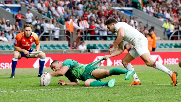 Jordon Conroy scores Ireland's winning try against England at Twickenham. Photograph: Andrew Fosker/Inpho