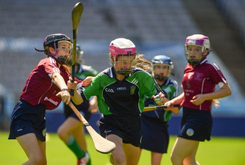 Julie Brady of Loreto PS, Rathfarnham, in action against Aoibhinn McCooey of St. Brigid's NS, Castleknock, in the Corn Bean Ui Phuirseil Final. Photo: Piaras Ó Mídheach/Sportsfile