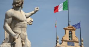 Several factors are affecting sentiment on Italian bonds, according to analysts.