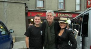 Anthony Bourdain at John Kavanagh's 'The Gravediggers' pub in Glasnevin with Ciaran Kavanagh, and Alfreda O'Brien Kavanagh. Photograph: John Kavanagh's 'The Gravediggers'