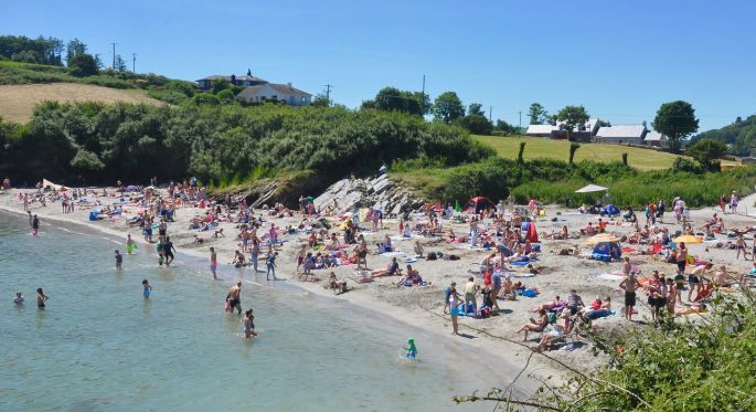 Popular Kinsale beach remains closed to swimmers as hottest