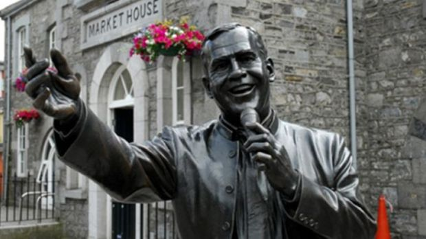 The bronze statue of Joe Dolan in Mullingar.