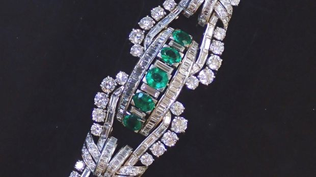 Lot 195: emerald and diamond bracelet