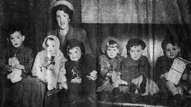 Noreen taking her six children to New York in 1950