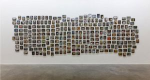 Fiona Tan, Vox Populi: London, 2012, 267 individually framed colour photographs, 210cm x 700cm. Collection De Pont Museum, Tilburg (NL)