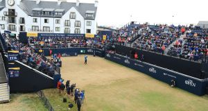 Sandy Lyle of Scotland hits the opening shot during the first round of the 147th Open Championship at Carnoustie Golf Club. Photo: Andrew Redington/Getty Images