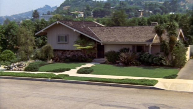 "LOS ANGELES - FEBRUARY 9: The Brady home in the BRADY BUNCH episode, ""The Subject Was Noses."" Original air date, February 9, 1973. Image is a screen grab. (Photo by CBS via Getty Images)"