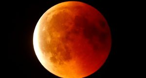 In images: 'blood moon' eclipse