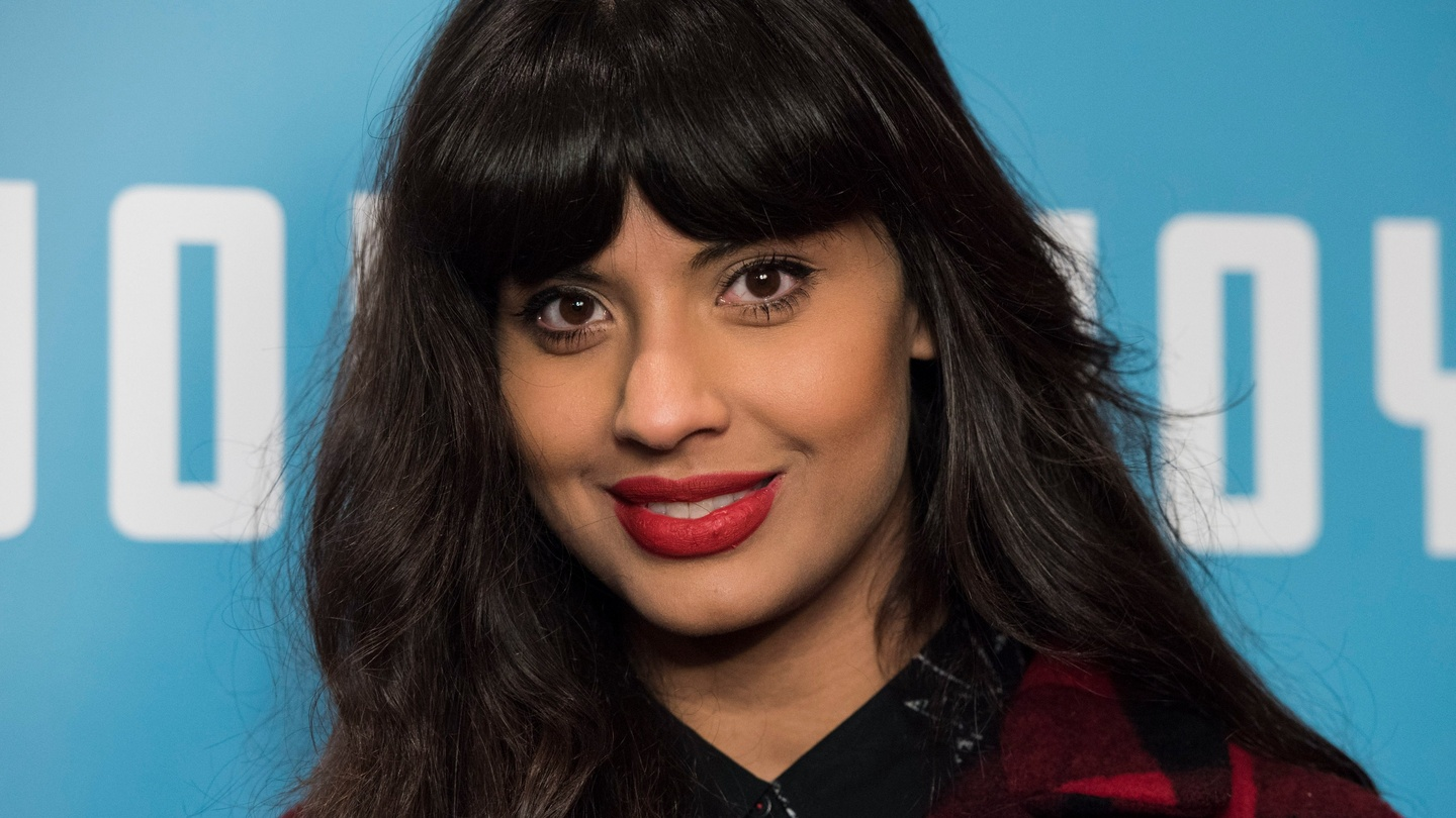 Jameela Jamil I Wont Become A Double Agent For The Patriarchy Eyebrow Powder Me Now Generation Ii