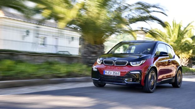 Bmw I3 Like The Cur Crop Of Hybrids On Road It Recycles Resistant