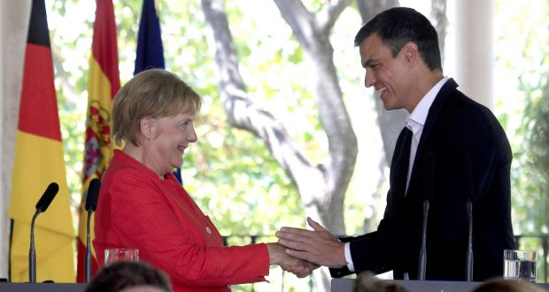 German chancellor Angela Merkel and Spanish prime minister Pedro Sanchez at  a press conference in southern 0048fbe7d