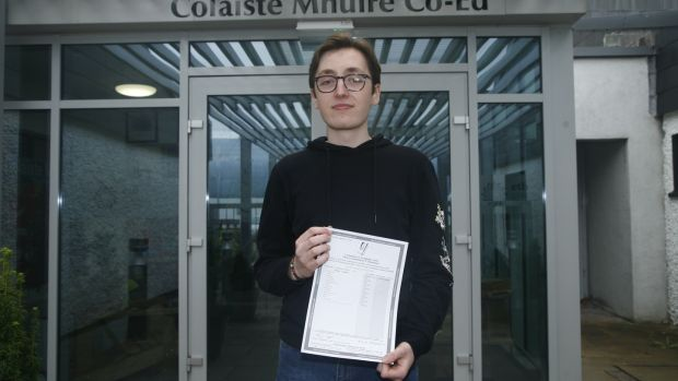 Scott Beaton with his results outside Coláiste Mhuire Co-Ed in Thurles
