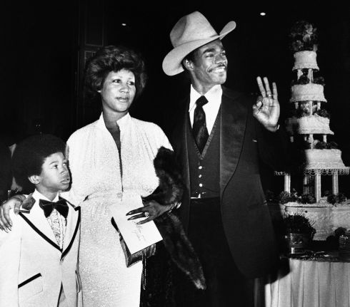 Aretha Franklin and her then husband, Glynn Turman, arrive at a Los Angeles hotel for their wedding reception, on April 17th, 1978. Photograph: AP Photo/Doug Pizac