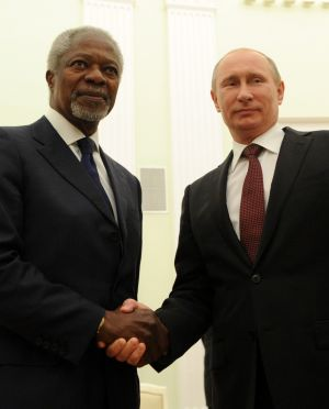 July 17th, 2012: Russian President Vladimir Putin  shakes hands with UN-Arab League special envoy and peace mediator Kofi Annan during their meeting in central Moscow. Photograph: Kirill Kudryavtsev/AFP/Getty Images