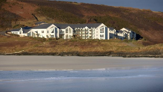 Inchydoney Island Lodge and Spa, Clonakilty, West Cork Inchydoney Lodge and Spa in West Cork has a Seaside Sundays package, that gives you overnight accommodation with breakfast, plus fish and chips and a pint of Murphy's (or a glass of wine) for supper