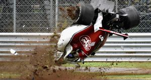 Marcus Ericsson of Sweden driving the (9) Alfa Romeo Sauber F1 Team C37 Ferrari crashes during practice for the Italian Grand Prix at Monza. Photo: Getty Images/Getty Images