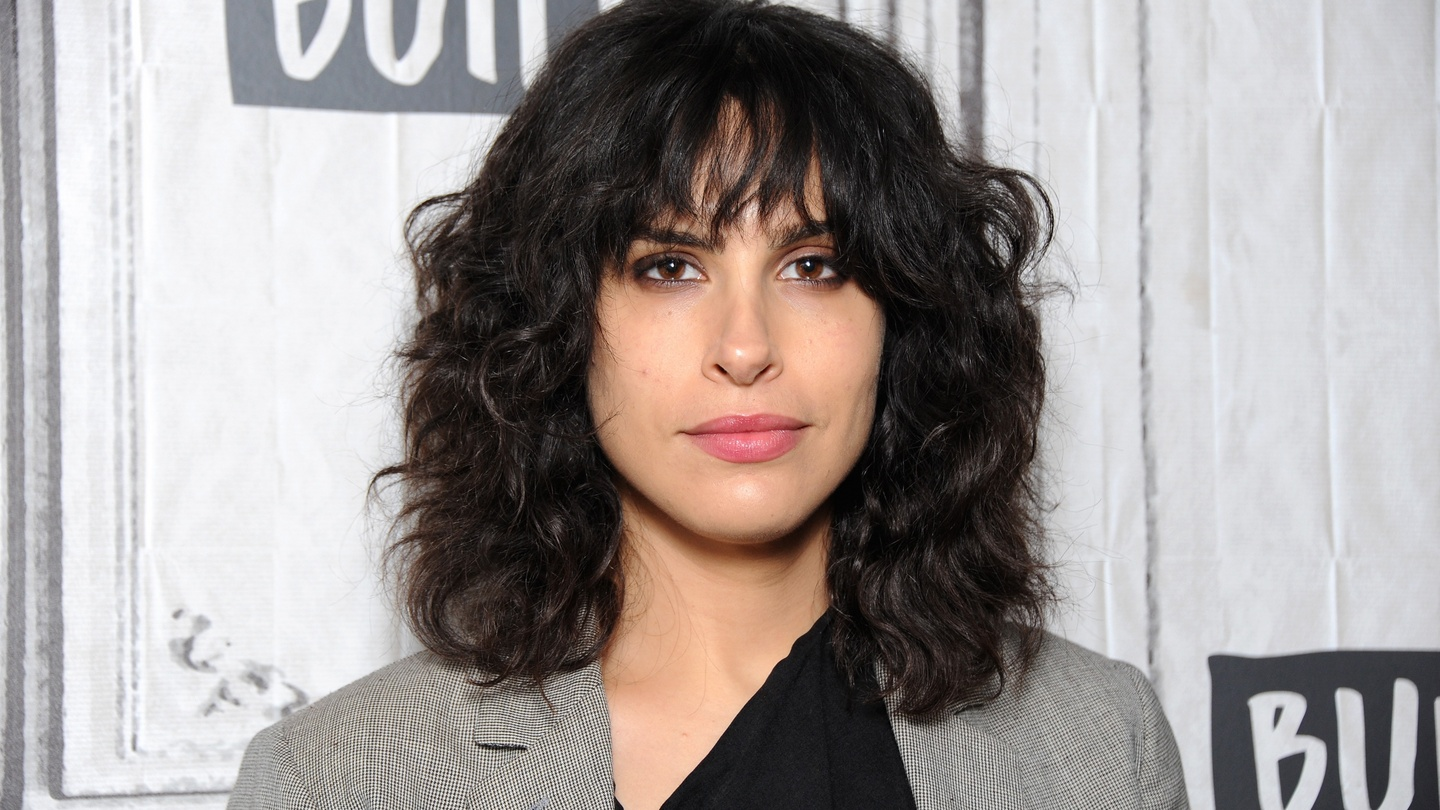 Desiree Akhavan Nude Photos 18
