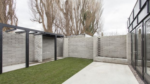 The Courtyard House by Tom de Paor