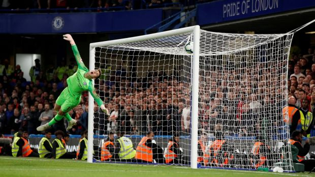 The goalkeeper of Chelsea, Kepa Arrizabalaga, is beaten by Daniel. Sturridge's shot for Liverpool's late equalizer at Stamford Bridge. Photo: John Sibley / Action Images via Reuters