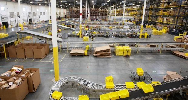 Amazon increases minimum wage for UK and US workers