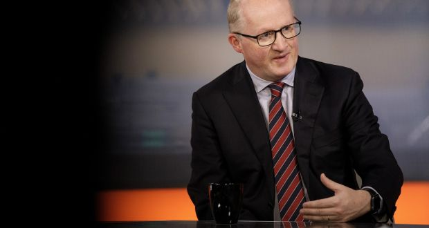 central bank governor sees case for bankers bonuses