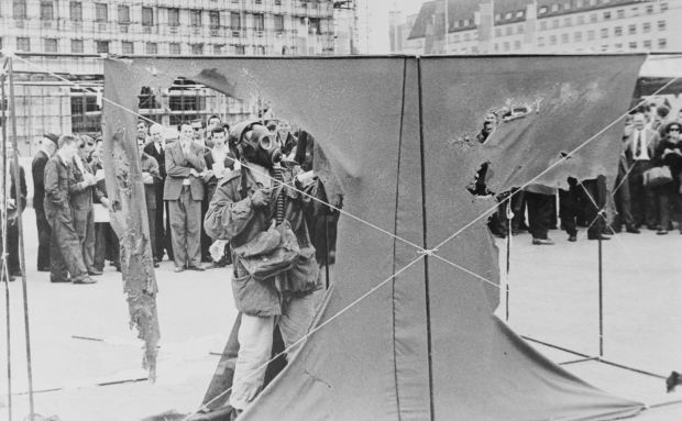'It was part of a lifelong refusal to be part of the capitalist system' ... Gustav Metzger demonstrates auto-destructive art on the South Bank in London in July 1961. Photograph: Keystone/Getty Images