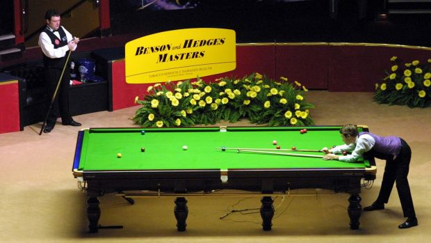 Stephen Hendry at the table during the 2001 Masters quarter-final against his hero Jimmy White. Photograph: Ian Walton/Allsport