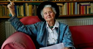 "Mary Midgley.  In 1979 she issued a scathing critique of Richard Dawkins'  popular book The Selfish Gene, taking issue with what she called his ""crude, cheap, blurred genetics""."