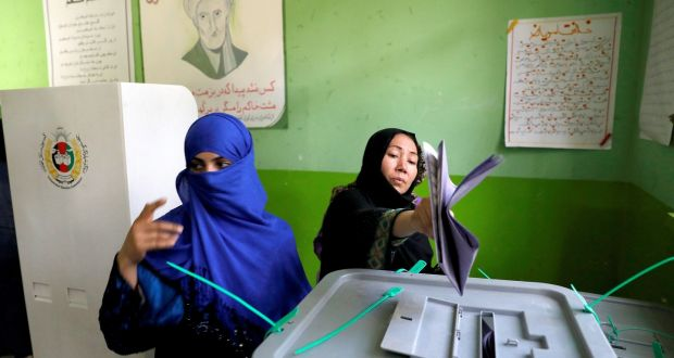 Afghans vote in elections despite threat of militant attacks