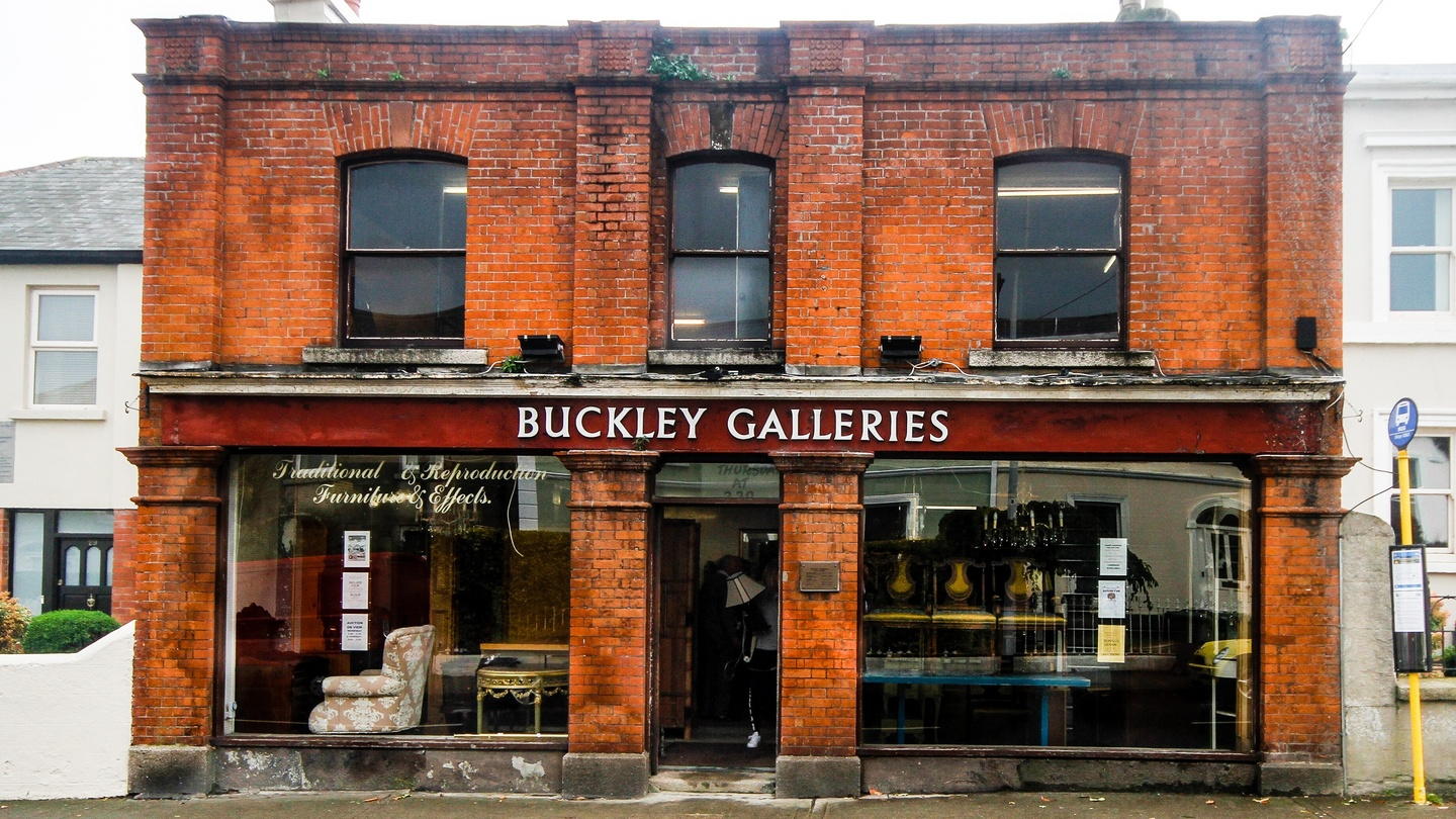 After a lifetime auctioning furniture, Buckley brothers