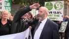 Danny Healy Rae lends support to protesting hairdressers