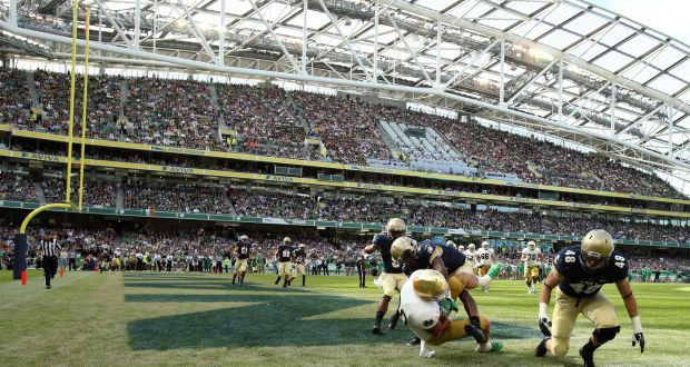 Notre Dame s Tyler Eifert catches the ball for a touchdown during the 2012  clash against Navy b6533ea63