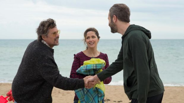 Ethan Hawke, Rose Byrne, and Chris O'Dowd in Juliet, Naked