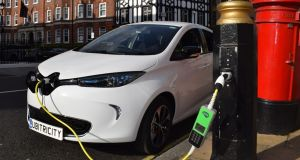 Siemens and Ubitricity installing electric car charging points in lamp posts
