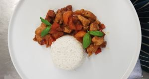 Chicken and chorizo with red pepper and tomatoes