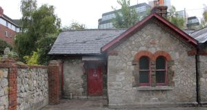 "12 Herbert Cottages, Ballsbridge, Dublin 4: a fine opportunity to add ""one's personal stamp"""