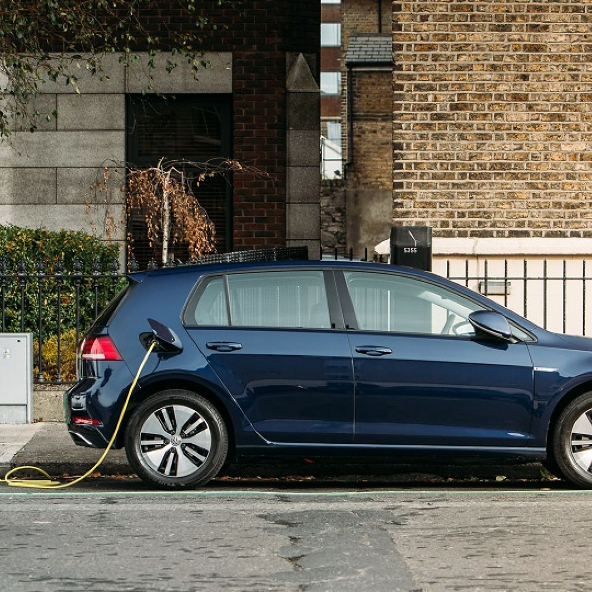 Ireland S Electric Car Journey Gathers Speed With New Vw E Golf