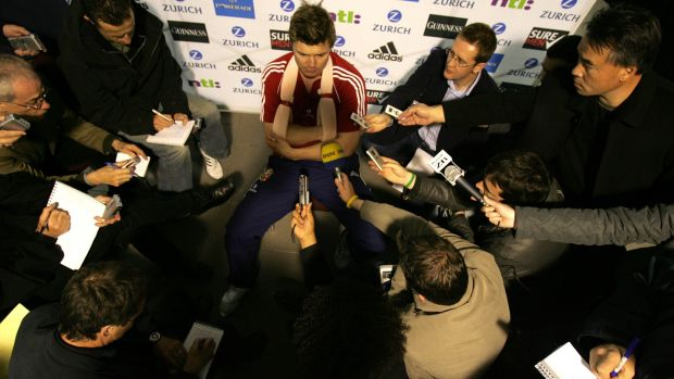 O'Driscoll speaks to the media with his arm in a sling during the 2005 Lions tour. Photo: Billy Stickland/Inpho